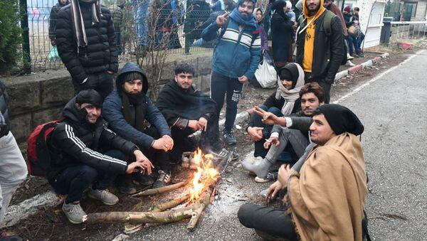 Rifugiati sulla frontiera tra Turchia e Grecia - Sputnik Italia