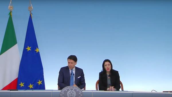 Coronavirus, dichiarazioni alla stampa del Presidente Conte e del Ministro Azzolina - Sputnik Italia
