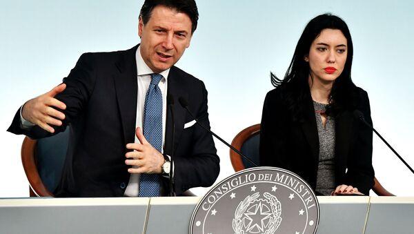 Giuseppe Conte e Lucia Azzolina - Sputnik Italia