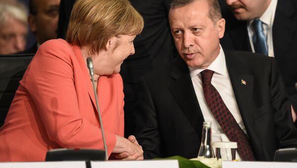 Angela Merkel e Recep Tayyip Erdogan - Sputnik Italia