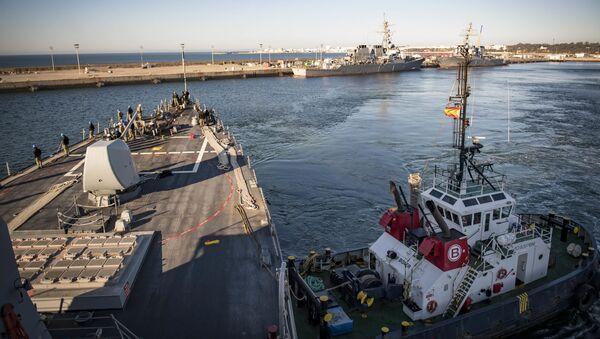 USS Donald Cook nella base navale di Rota, in Andalusia (archivio) - Sputnik Italia