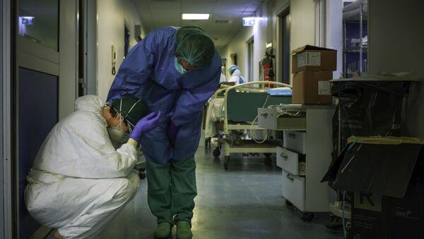 Le infermiere all'ospedale di Cremona, Italia - Sputnik Italia