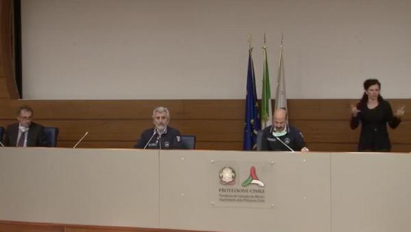 Conferenza stampa dei direttori dei dipartimenti della Protezione Civile Agostino Miozzo e Luigi D'angelo sull'emergenza Coronavirus - Sputnik Italia