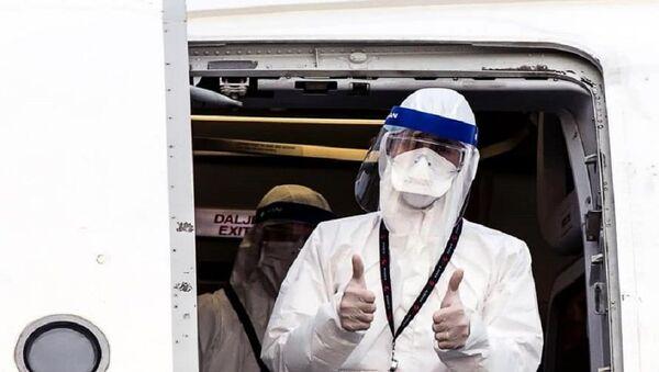 Un medico albanese arrivato a Bergamo - Sputnik Italia