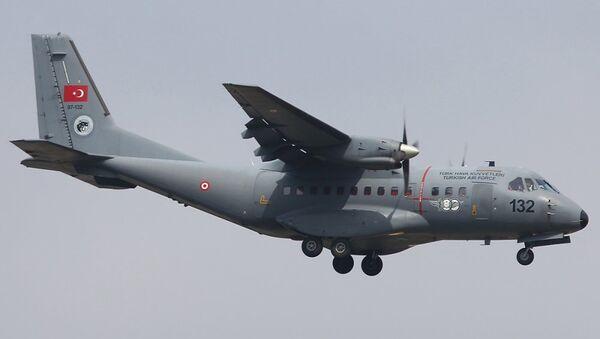 Aereo cargo Casa CN-235 dell'esercito turco - Sputnik Italia