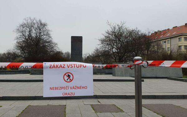 A Praga hanno rimosso la statua del maresciallo dell'Armata Rossa Ivan Konev - Sputnik Italia