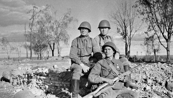 Soldati dell'Armata Rossa al fronte  - Sputnik Italia