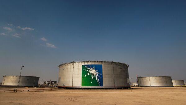 A view shows branded oil tanks at Saudi Aramco oil facility in Abqaiq, Saudi Arabia October 12, 2019 - Sputnik Italia