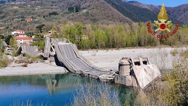 Crollo ponte fiume Magra - Sputnik Italia