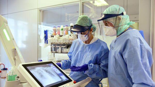 I medici all'ospedale di Bergamo - Sputnik Italia