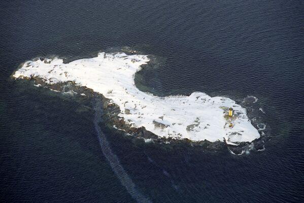 Un faro nel Mare di Barents oltre il Circolo Polare Artico - Sputnik Italia