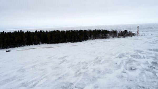 Un faro sull'isola Ivanovsky sul lago Onega - Sputnik Italia