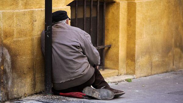 Un senzatetto - Sputnik Italia