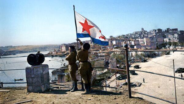 Водружение флага Победы на водной станции, 1944 год  - Sputnik Italia