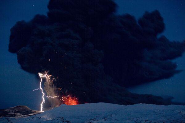 L'eruzione del vulcano islandese Eyjafjöll. - Sputnik Italia