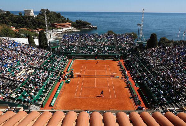 Il tennista Fabio Fognini contro il tennista russo Andrej Rublev in una partita al terzo giorno del torneo di tennis Monte Carlo ATP Masters Series in Monaco. - Sputnik Italia
