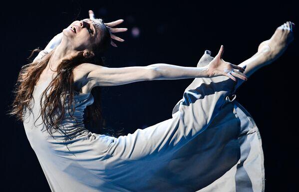 La prima ballerina Svetlana Zakharova durante il concerto di beneficenza Insieme al Teatro Bolshoi di Mosca - Sputnik Italia
