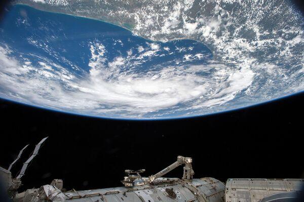 Una tempesta tropicale vista dalla Stazione spaziale internazionale. - Sputnik Italia