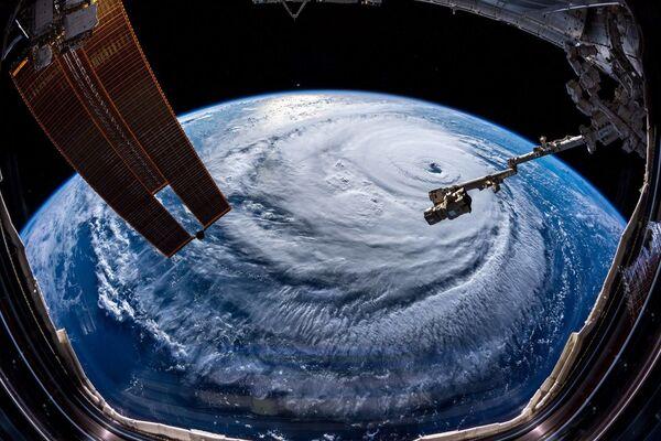 L'uragano Florence fotografato dall'astronauta russo Aleksandr Gers dalla Stazione spaziale internazionale. - Sputnik Italia