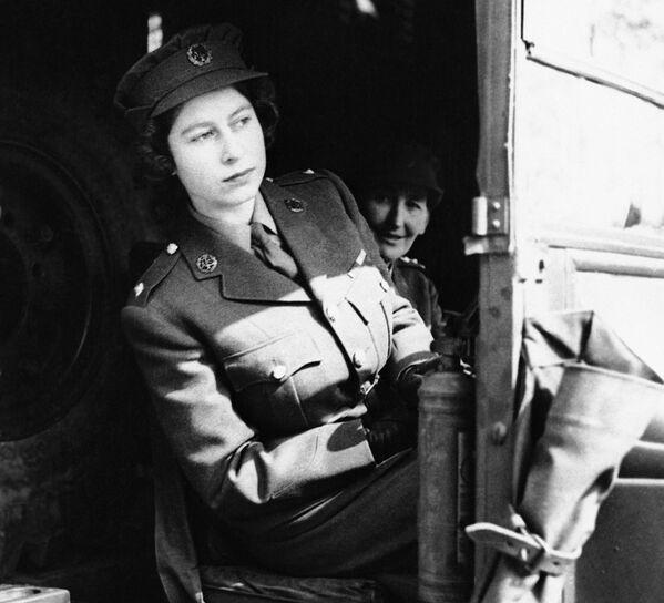 La giovinezza di Elisabetta II - Sputnik Italia