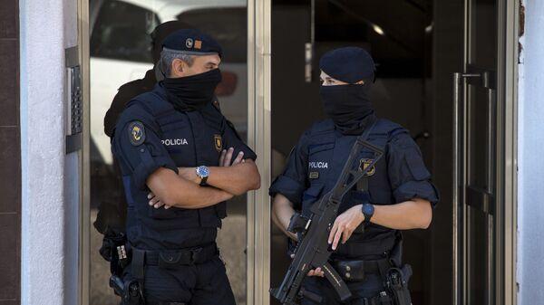 Polizia spagnola - Sputnik Italia