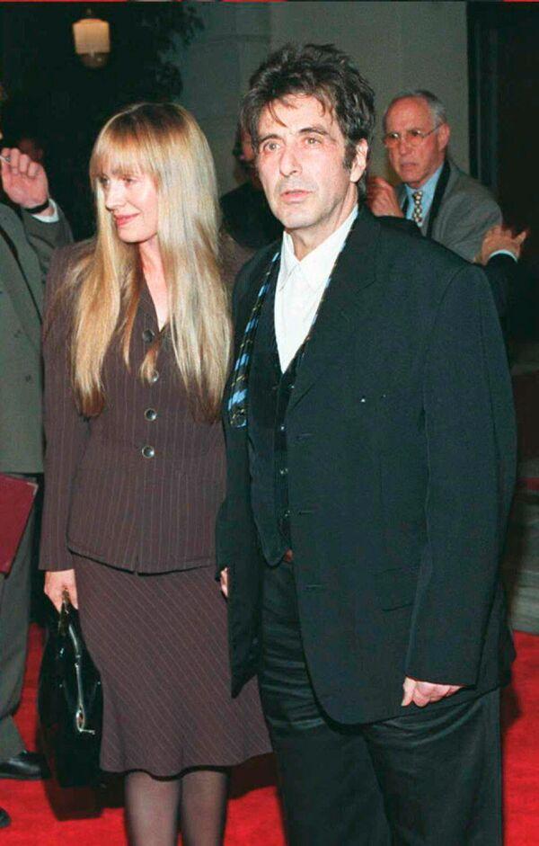 Al Pacino con l'amica Lyndall Hobbs - Sputnik Italia