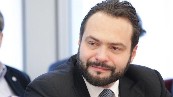 Il vicepresidente del Parlamento europeo Fabio Massimo Castaldo - Sputnik Italia