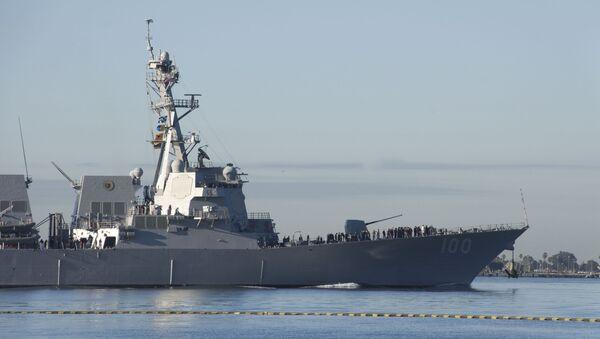 Il cacciatorpediniere missilistico Kidd della marina degli USA nel porto San Diego - Sputnik Italia