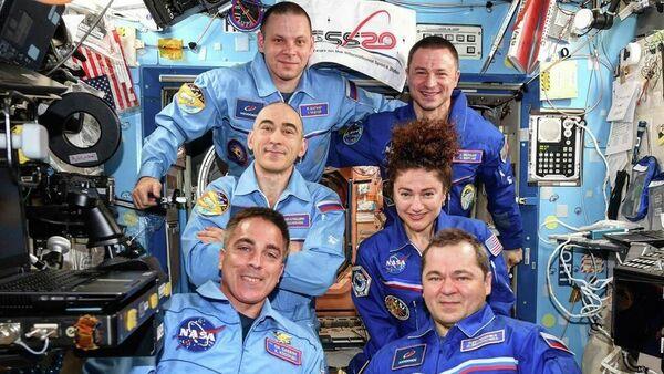 Пересменка на борту Международной космической станции - Sputnik Italia