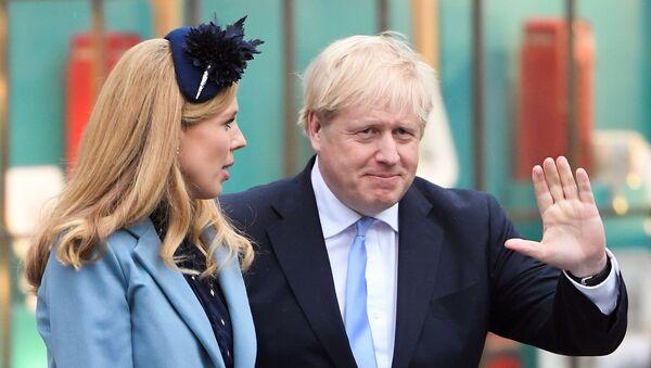Boris Johnson e Carrie Symonds - Sputnik Italia