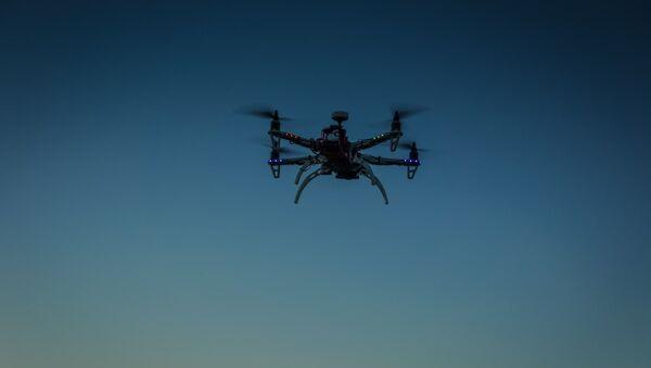 Un drone volante - Sputnik Italia
