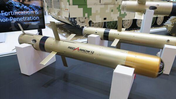 Il sistema missilistico anticarro cinese di terza generazione HJ-12. - Sputnik Italia