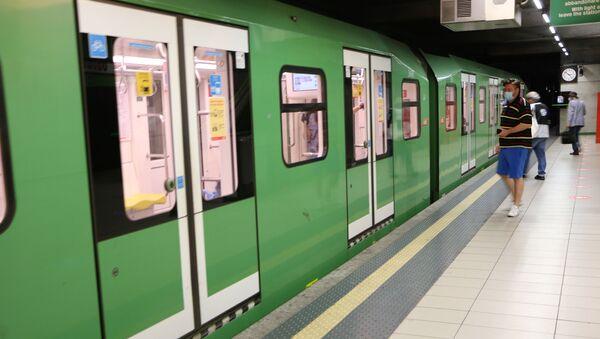 Metro di Milano dopo l'inizio della Fase 2 - Sputnik Italia