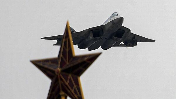 Un caccia Su-67 duranta la parata aerea del 9 maggio - Sputnik Italia
