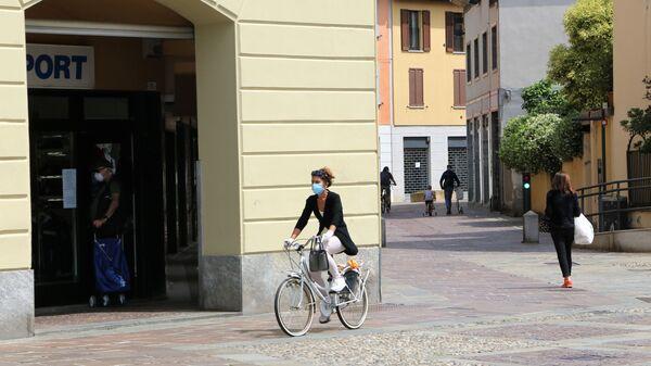 Fase 2, le persone a Milano - Sputnik Italia