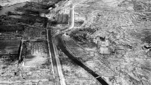 Nagasaki rasa al suolo dopo attacco nucleare USA - Sputnik Italia