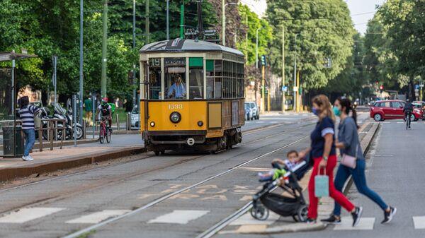 Un tram a Milano - Sputnik Italia