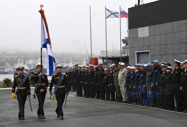 La cerimonia solenne per il ritorno dell'equipaggio del rimorchiatore di salvataggio  della flotta del Pacifico Foty Krylov a Vladivostok, Russia. - Sputnik Italia