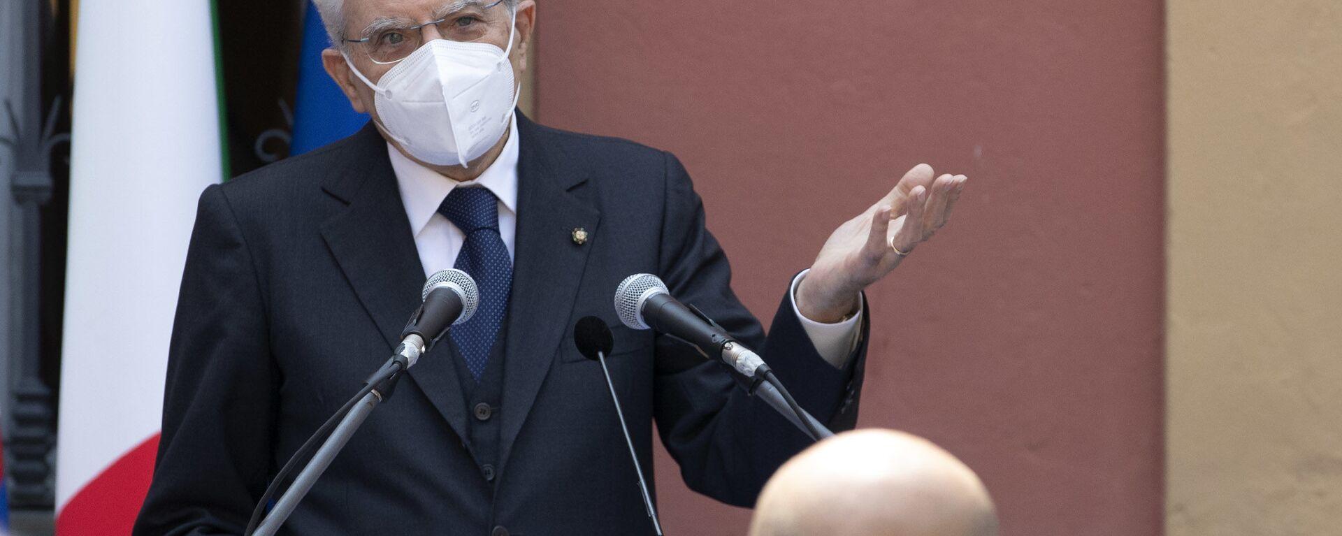 Codogno- Il Presidente della Repubblica Sergio Mattarella rivolge il suo indirizzo di saluto in occasione della visita a Codogno, oggi 2 giugno 2020. - Sputnik Italia, 1920, 17.08.2020