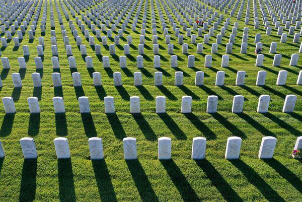 La vista aerea delle tombe al cimitero nazionale della Valle del Sacramento, USA. - Sputnik Italia