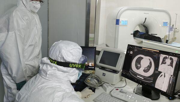 Un ospedale temporaneo per pazienti COVID-19 in Cina - Sputnik Italia