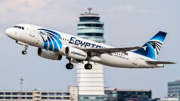 Un aereo Airbus A320 della compagnia EgyptAir - Sputnik Italia