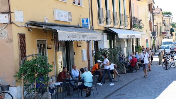 La gente al bar in Italia - Sputnik Italia