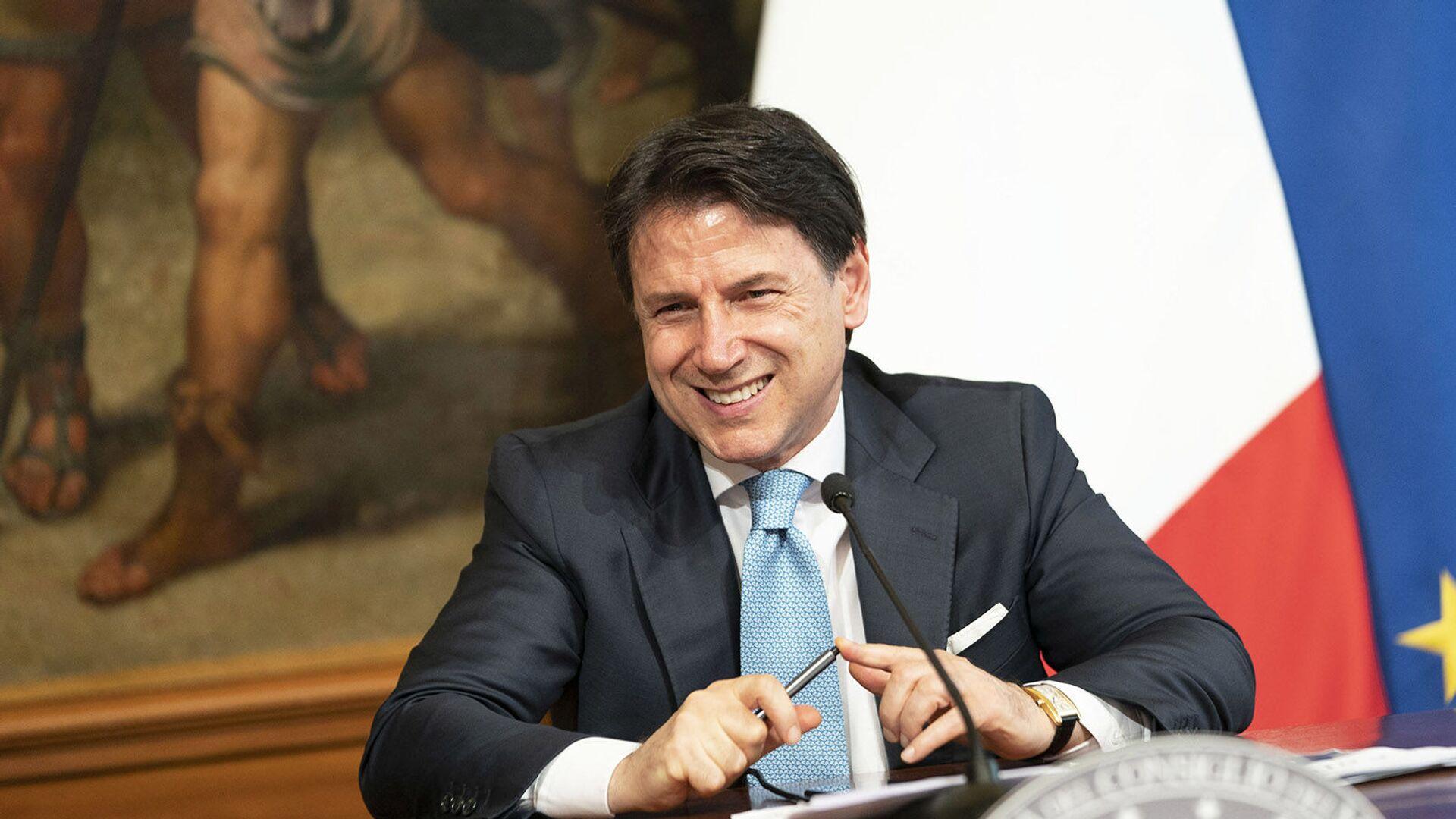 Il Presidente del Consiglio, Giuseppe Conte, in conferenza stampa sul DL Semplificazioni - Sputnik Italia, 1920, 07.08.2021