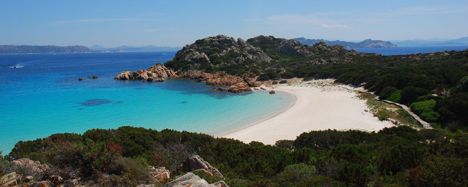 Spiaggia Rosa, isola di Budelli, Sardegna - Sputnik Italia, 1920, 14.04.2021