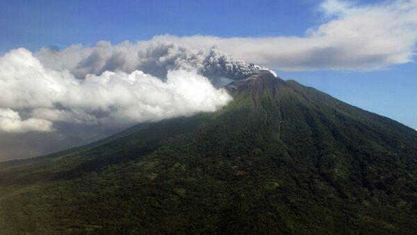 Montagne Indonesia - Sputnik Italia
