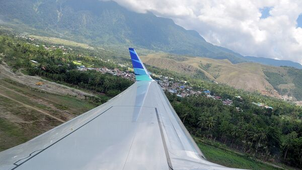A view from a plane that is taking off of Sentani Airport, Papua - Sputnik Italia